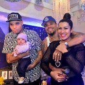 Naldo ganha festa surpresa de fãs no Rio, com presença da mulher e dos filhos