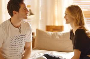 Novela 'Sete Vidas': Felipe diz a Júlia que vai ficar um mês fora do país