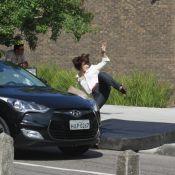 Regiane Alves é atropelada por Rômulo Neto durante gravação de 'Sangue Bom'