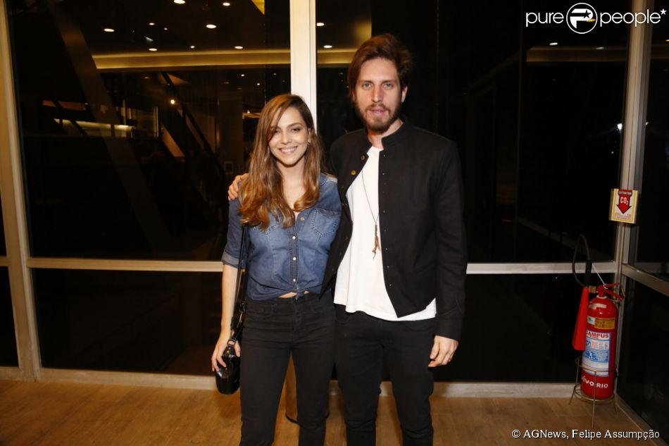 http://static1.purepeople.com.br/articles/0/61/02/0/@/838230-taina-muller-teve-a-companhia-do-950x0-2.jpg
