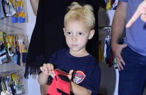 Filho de Neymar, Davi Lucca participa de feira de moda com a mãe, Carol Dantas