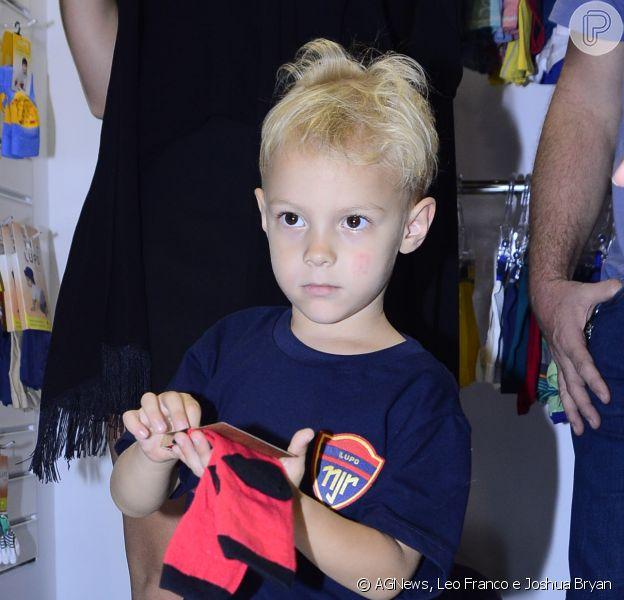Davi Lucca, filho de Neymar, participa de feira de moda com a mãe, Carol Dantas, na tarde desta segunda-feira, 22 de junho de 2015, em São Paulo