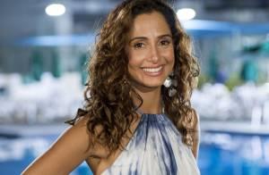 'Babilônia': com visual e emprego novos, Regina engata namoro com Carlos Alberto