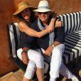 Luciana Gimenez está acompanhada do marido, Marcelo de Carvalho, durante viagem ao país, onde costumam celebrar a união
