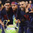 Daniel Alves foi campeão com o Barcelona da Liga dos Campeões da Europa 2015