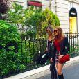 Em passeio por Paris, Marina usou bolsa Chanel vermelha, de R$ 13.000