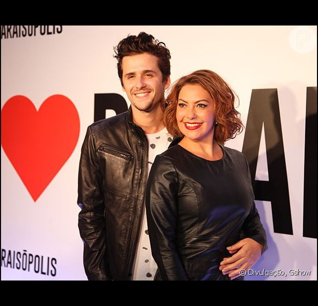 Fabiula Nascimento e Gil Coelho terminaram o namoro após dez meses juntos. A assessoria do ator confirmou o rompimento nesta quinta-feira, dia 25 de junho de 2015
