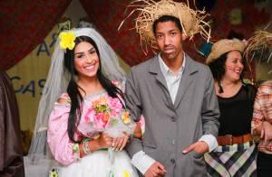 Amanda Djehdian, do 'BBB 15', se veste de noiva e troca alianças em festa junina