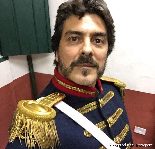 Junno Andrade contou ao 'TV Fama' como apelidou o figurino de seu personagem na próxima novela da TV Record: 'A roupa parece muito de um paquito. já até brinquei que eu sou 'vôquito' agora', disse, aos risos