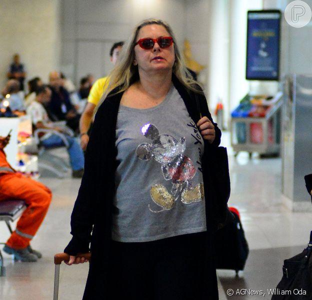 Vera Fischer embarcou no aeroporto Santos Dumont, no Rio de Janeiro, na tarde desta sexta-feira, dia 26 de junho de 2015
