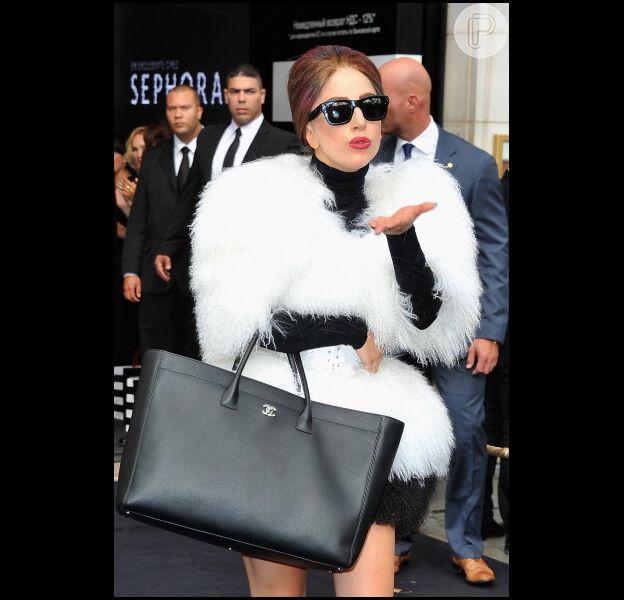 Lady Gaga não gostou de dueto que gravou com a cantora Cher e música pode não ser lançada