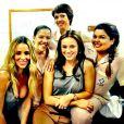 Paolla Oliveira posa com as colegas de elenco de 'Amor à vida'