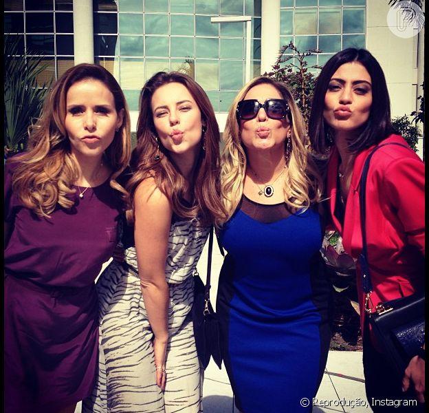 As atrizes de 'Amor à Vida' Leona Cavalli, Paolla Oliveira, Susana Vieira e Carol Castro posam fazendo biquinho em 3 de julho de 2013