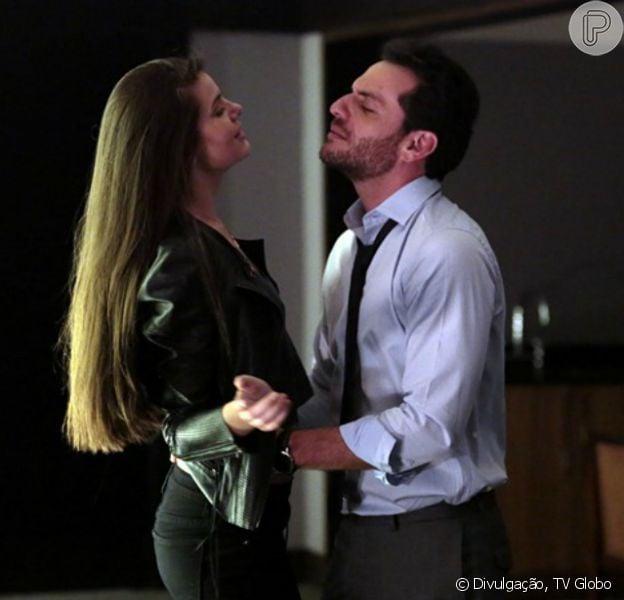 Alex (Rodrigo Lombardi) e Angel (Camila Queiroz) vão virar amantes nos próximos capítulos da novela 'Verdades Secretas', como informou a coluna 'Telinha' do jornal 'Extra' desta terça-feira, 4 de agosto de 2015