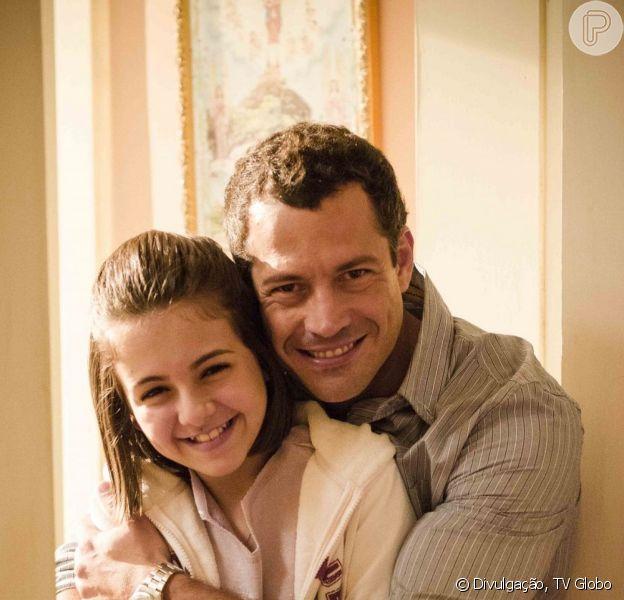 Bruno (Malvino Salvador) consegue a guarda de Paulinha (Klara Castanho) e decide retirar processo contra Paloma (Paolla Oliveira), em 'Amor à Vida', em julho de 2013