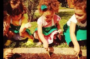 Filhas de Ronaldo Fenômeno fazem horta orgânica em casa e Bia Anthony posta foto