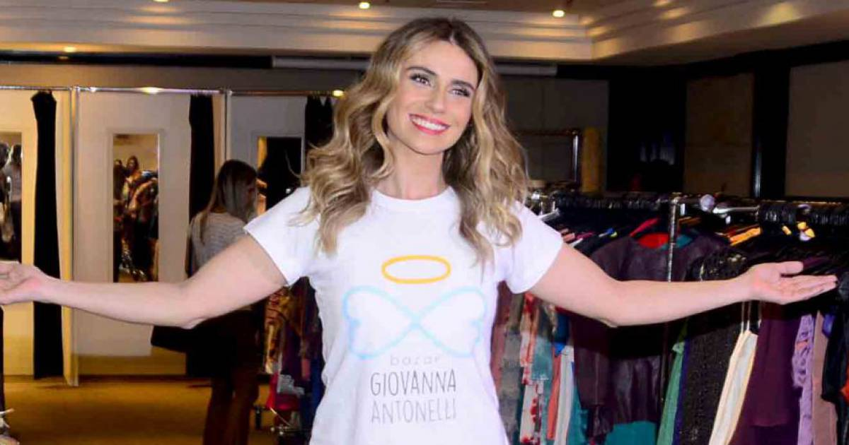 ce0765265 Giovanna Antonelli promove bazar beneficente em SP após madrugada  trabalhando - Purepeople