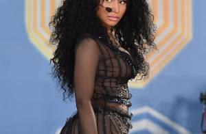 Após levantar suspeitas de gravidez, Nicki Minaj zomba de rumores
