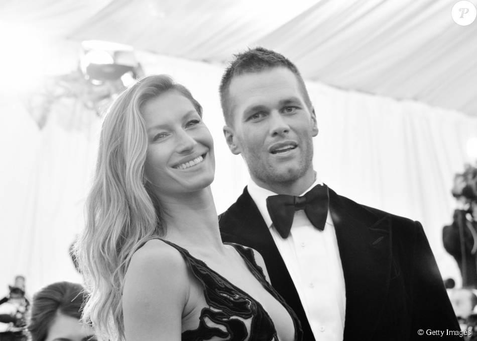 Após boatos de crise no casamento divulgado por revista e rumores de traição de Tom Brady com ex-babá de Ben Affleck, top Gisele Bündchen curtiu foto do marido no Facebook, nesta quinta, 13 de agosto de 2015