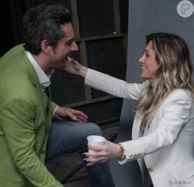 Amora Mautner elogia a performance e o visual de Alexandre Nero em 'A Regra do Jogo': 'Está lindo, um gato!', em 18 de agosto de 2015