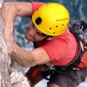 João Vithor Oliveira dispensa dublê em cena de escalada de 'Malhação'