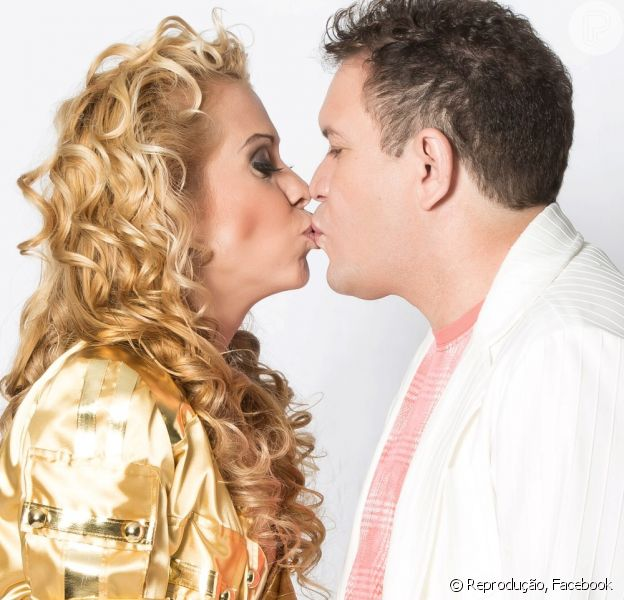 Joelma e Chimbinha, da Banda Calypso, estão separados. Assessoria de imprensa do casal enviou comunicado informando fim do casamento, nesta quarta, dia 19 de agosto de 2015