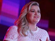 Kelly Clarkson anuncia segunda gravidez em show nos EUA: 'Totalmente grávida'