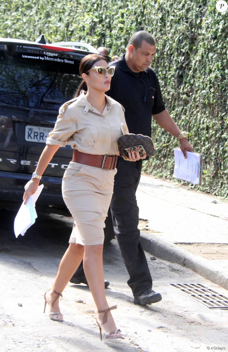 01faf7e0aa922 A atriz Juliana Paes chegando em prédio para gravar cenas da novela   Totalmente Demais  no Rio de Janeiro