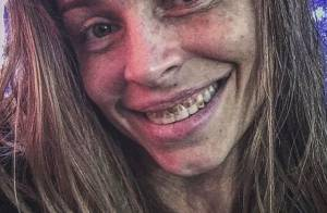 Grazi Massafera surpreende em foto com dentes sujos, caracterizada como Larissa