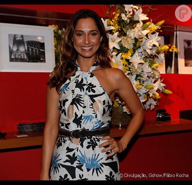 Camila Pitanga, que vem publicando várias fotos dos bastidores como forma de se despedir da trama, era só sorrisos na festa final da novela, realizada na noite desta sexta, 28 de agosto de 2015