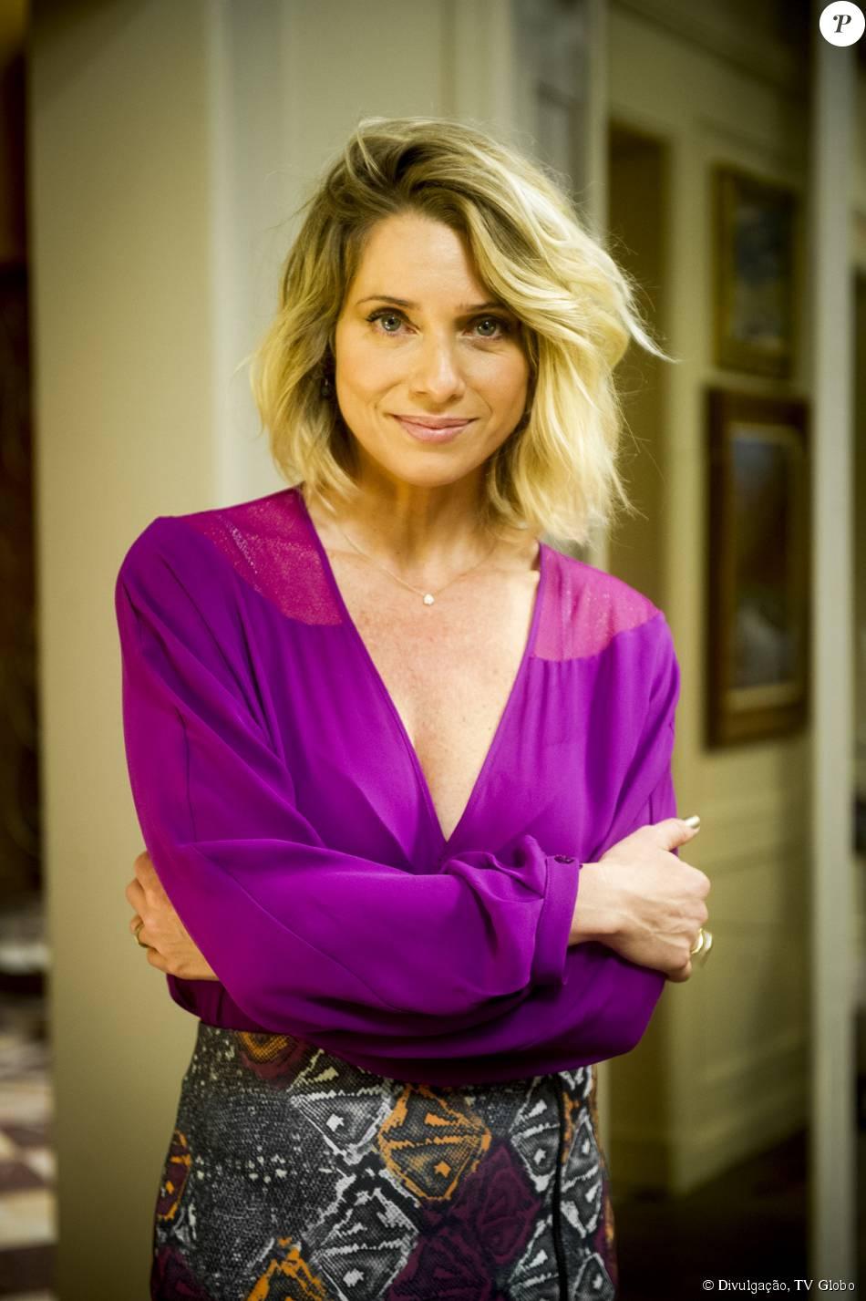 Leticia Spiller dá dicas de como conseguir o efeito do cabelo Soraya, a vilã de 'I Love Paraisópolis', em setembro de 2015