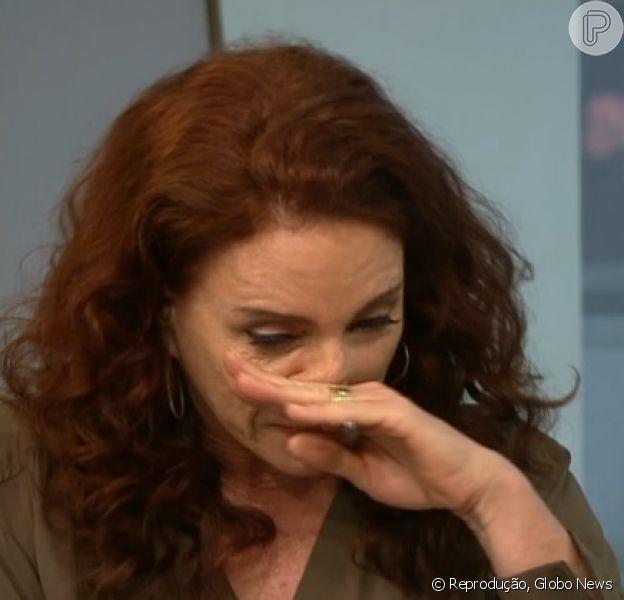 Leilane Neubarth se emocionou durante a apresentação do 'Edição das 18h', da GloboNews, quando comentou sobre a morte do menino sírio Aylan Kurdi. A jornalista precisou se recompor antes de continuar o programa