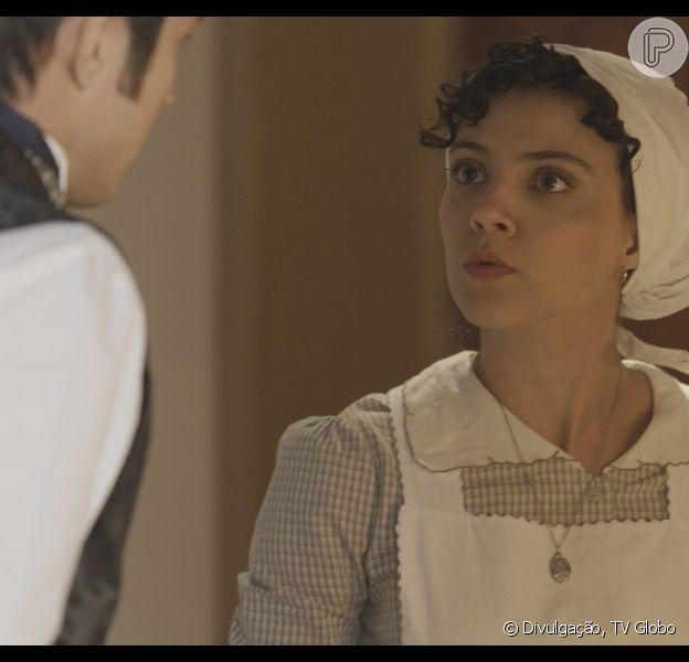 Anita (Leticia Persiles) é rejeitada por Roberto (Rômulo Estrela) ao anunciar que está grávida dele, na novela 'Além do Tempo', em setembro de 201