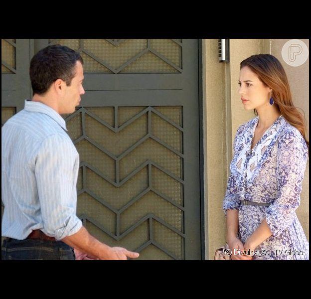 Abalada com a descoberta de sua verdadeira origem, Paloma (Paolla Oliveira) procura Bruno (Malvino Salvador) para desabafar, em 'Amor à Vida', em 25 de julho de 2013