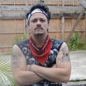 Danton Mello volta à TV tatuado na pele de ex-presidiário em 'A Grande Família'