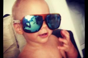 Neymar: de férias nos EUA, jogador posta foto do filho, Davi Lucca, de óculos