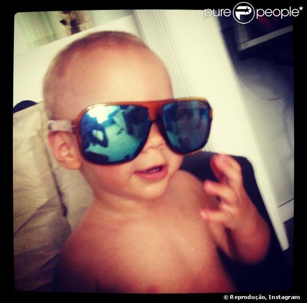 Neymar publicou foto do seu filho, Davi Lucca, em sua conta do Instagram nesta quarta-feira, 12 de dezembro de 2012