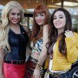 Isabel (Thaissa Carvalho), Cristal (Moro Anghileri) e Amparo (Marthe Nieto) se vestem de periguetes para escapar de hotel, em 'Flor do Caribe', em 5 de agosto de 2013