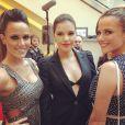 Mariana Rios posa com as atrizes Nathalia Rodrigues e Fernanda Pontes na inauguração da grife Carmens Steffens, em Orlando, nos Estados Unidos