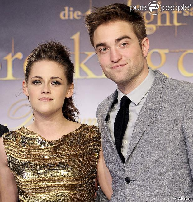 De acordo com site 'X17', Kristen Stewart e Robert Pattinson voltaram a namorar