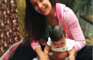 Carolina Ferraz posta foto com filha e ganha elogios dos fãs: 'Quanto amor'