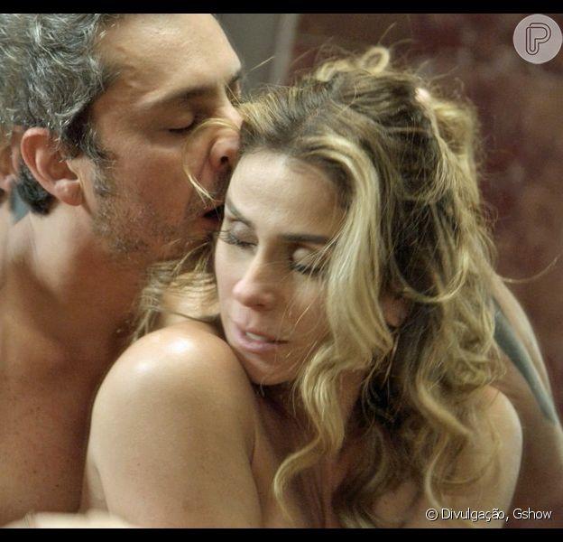 Atena (Giovanna Antonelli) finalmente conseguirá levar Romero (Alexandre Nero) para a cama mais uma vez nos próximos capítulos de 'A Regra do Jogo'