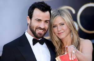 Jennifer Aniston nega gravidez após exibir barriga saliente: 'Quilinhos a mais'