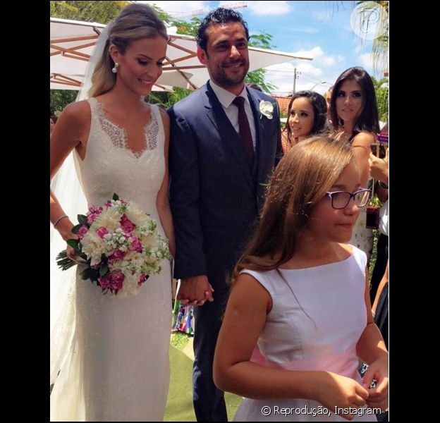 Fred Guedes, jogador do Fluminense, se casa com a publicitária Paula Armani em Belo Horizonte, em Minas Gerais, em 14 de novembro de 2015