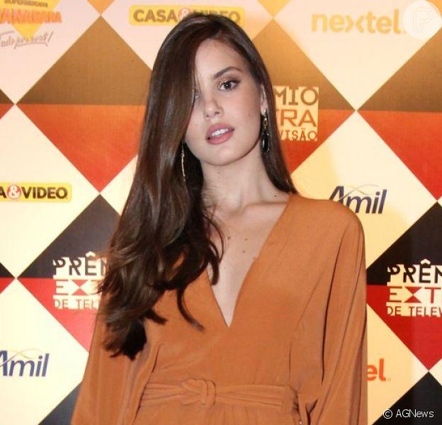 Camila Queiroz foi uma das celebridades que brilhou no Prêmo Extra de TV 2015, na noite desta terça-feira, 17 de novembro de 2015