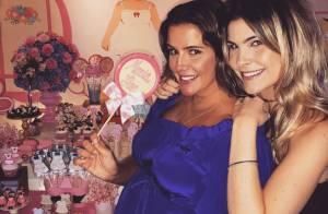 Deborah Secco reúne amigos para o chá de bebê da filha, Maria Flor, no Rio