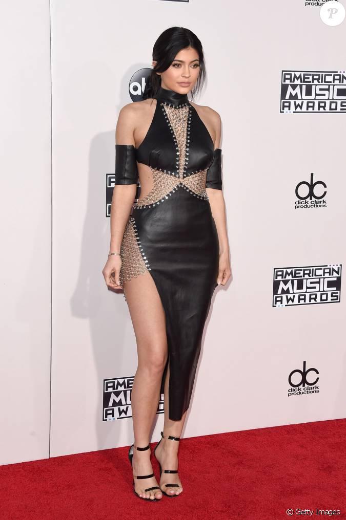 Kylie Jenner Usou Um Vestido Da Grife Bryan Hearns No American Music Awards 2015...