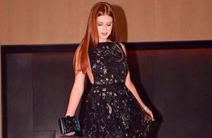 Marina Ruy Barbosa aposta em vestido Valentino de R$ 84 mil na entrega do Emmy