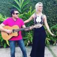 Ximbinha e Thábata já gravaram o primeiro disco juntos no início de novembro, no Recife, sede da antiga banda do guitarrista, a Calypso