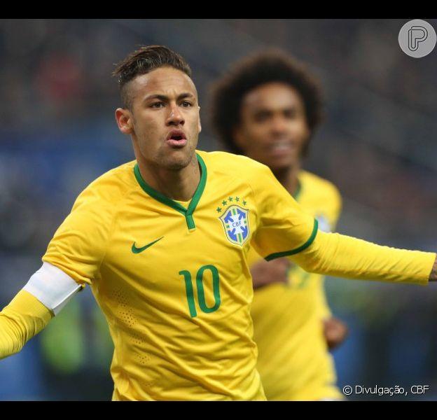 Neymar é finalista pela primeira vez do prêmio Bola de Ouro da Fifa. Brasileiro vai concorrer com Lionel Messi e Cristiano Ronaldo